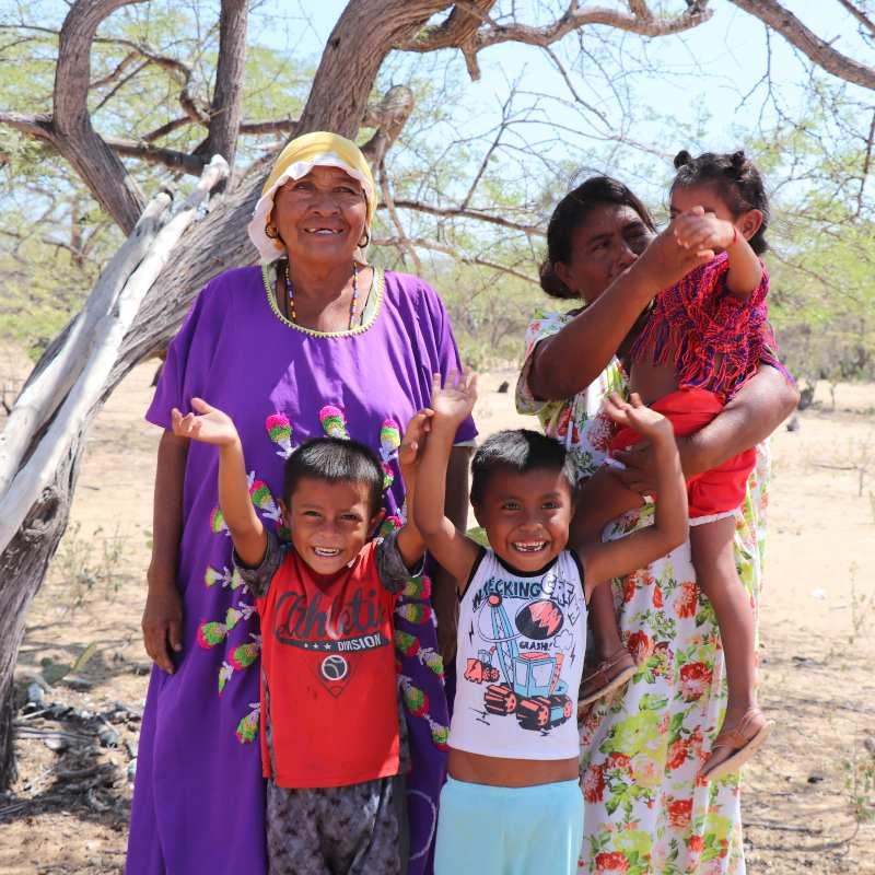 Los indígenas wayúu extraen la sal marina de La Guajira