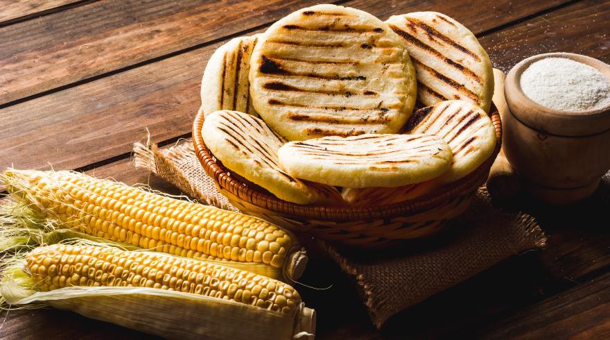 Costumbres de la región andina y platos típicos como las arepas