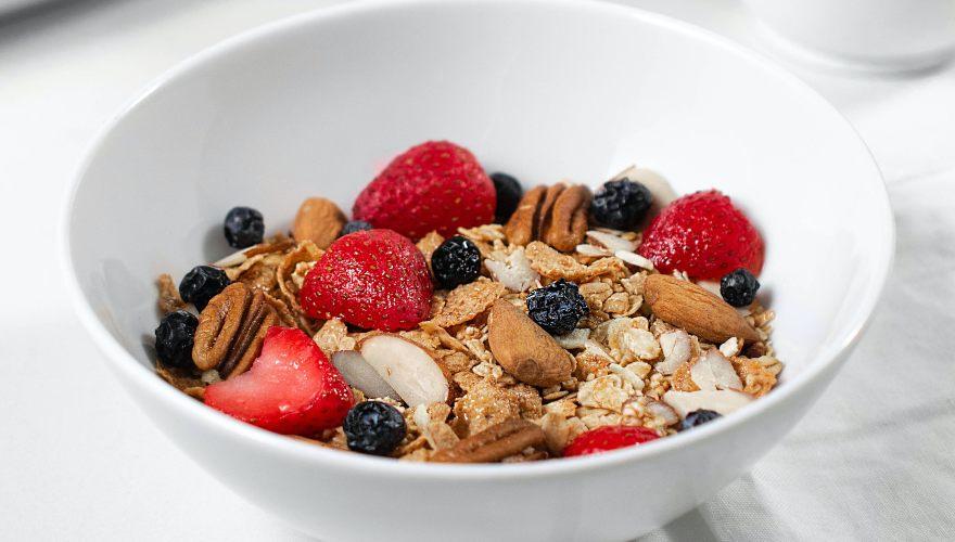 Los cereales hacen parte de los desayunos saludables para adultos